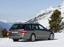 Фото авто Mercedes-Benz E-Класс W212/S212/C207/A207, ракурс: 225 цвет: мокрый асфальт