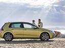 Фото авто Volkswagen Golf 7 поколение [рестайлинг], ракурс: 270 цвет: желтый