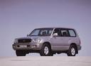 Фото авто Toyota Land Cruiser J100, ракурс: 45 цвет: серебряный