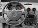 Фото авто Chevrolet Aveo T200, ракурс: рулевое колесо