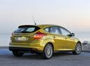 Фото авто Ford Focus 3 поколение, ракурс: 225 цвет: желтый