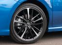 Фото авто Toyota Camry XV70, ракурс: колесо цвет: синий