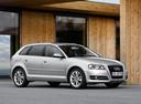 Фото авто Audi A3 8P/8PA [2-й рестайлинг], ракурс: 315 цвет: серебряный