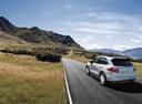 Фото авто Porsche Cayenne 958, ракурс: 135 цвет: серебряный