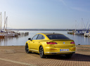Фото авто Volkswagen Arteon 1 поколение, ракурс: 135 цвет: желтый