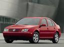 Фото авто Volkswagen Jetta 4 поколение, ракурс: 45 цвет: красный