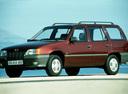 Фото авто Opel Kadett E, ракурс: 45 цвет: красный
