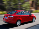 Фото авто Ford Fiesta 6 поколение [рестайлинг], ракурс: 225 цвет: красный