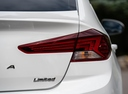 Фото авто Hyundai Elantra AD [рестайлинг], ракурс: задние фонари цвет: белый