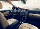Подержанный Volkswagen Polo, серебряный, 2015 года выпуска, цена 599 000 руб. в Санкт-Петербурге, автосалон
