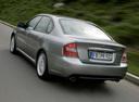 Фото авто Subaru Legacy 4 поколение, ракурс: 135 цвет: серебряный