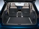 Фото авто Volkswagen Touareg 3 поколение, ракурс: багажник