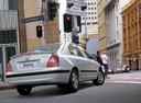Фото авто Hyundai Elantra XD [рестайлинг], ракурс: 225 цвет: серебряный