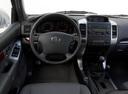 Фото авто Toyota Land Cruiser Prado J120, ракурс: рулевое колесо