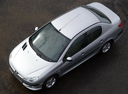 Фото авто Peugeot 206 1 поколение [рестайлинг], ракурс: сверху цвет: серебряный
