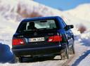 Фото авто Mercedes-Benz E-Класс W210/S210, ракурс: 180 цвет: черный