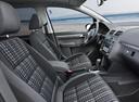 Фото авто Volkswagen Touran 1 поколение [2-й рестайлинг], ракурс: салон целиком