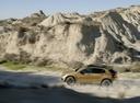 Фото авто Mercedes-Benz GLA-Класс X156 [рестайлинг], ракурс: 90 цвет: золотой