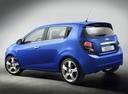 Фото авто Chevrolet Aveo T300, ракурс: 135 цвет: синий