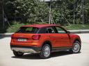 Фото авто Audi Q2 1 поколение, ракурс: 225 цвет: оранжевый