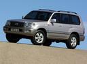 Фото авто Toyota Land Cruiser J100 [рестайлинг], ракурс: 45 цвет: серебряный