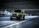 Фото авто Suzuki Jimny 4 поколение, ракурс: 45 цвет: зеленый