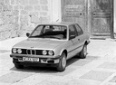 Фото авто BMW 3 серия E30, ракурс: 45