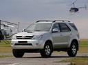 Фото авто Toyota Fortuner 1 поколение, ракурс: 45