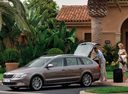 Фото авто Skoda Superb 2 поколение, ракурс: 45 цвет: сиреневый