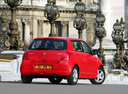 Фото авто Suzuki Swift 3 поколение, ракурс: 225 цвет: красный