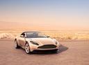 Фото авто Aston Martin DB11 1 поколение, ракурс: 315 цвет: бежевый