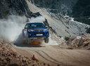 Фото авто Toyota Hilux 8 поколение,  цвет: синий