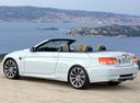 Фото авто BMW M3 E90/E92/E93, ракурс: 135 цвет: белый