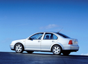 Фото авто Volkswagen Bora 1 поколение, ракурс: 90 цвет: белый