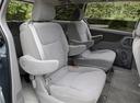Фото авто Toyota Sienna 2 поколение [рестайлинг], ракурс: задние сиденья