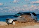 Фото авто Mercedes-Benz M-Класс W163, ракурс: 90 цвет: серебряный