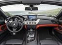 Фото авто BMW Z4 E89, ракурс: торпедо