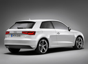 Фото авто Audi A3 8V, ракурс: 225 цвет: белый