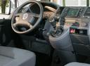 Фото авто Volkswagen Multivan T5, ракурс: торпедо