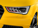 Фото авто Audi S1 8X, ракурс: передние фары