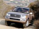 Фото авто Toyota Land Cruiser J100 [рестайлинг], ракурс: 45 цвет: бежевый