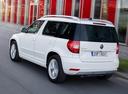 Фото авто Skoda Yeti 1 поколение [рестайлинг], ракурс: 135 цвет: белый