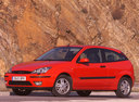 Фото авто Ford Focus 1 поколение [рестайлинг], ракурс: 45 цвет: красный