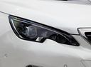 Фото авто Peugeot 308 T9 [рестайлинг], ракурс: передние фары цвет: белый