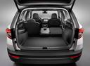 Фото авто Skoda Karoq 1 поколение, ракурс: багажник цвет: белый