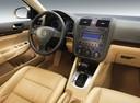 Фото авто Volkswagen Jetta 5 поколение, ракурс: торпедо