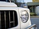 Фото авто Mercedes-Benz G-Класс W464, ракурс: передние фары цвет: белый