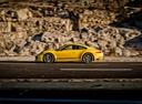 Фото авто Porsche 911 991 [рестайлинг], ракурс: 90 цвет: желтый