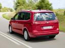 Фото авто SEAT Alhambra 2 поколение, ракурс: 135 цвет: красный