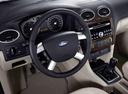 Фото авто Ford Focus 2 поколение, ракурс: рулевое колесо